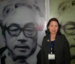 Nhà văn Lê Minh Khuê trong nhà lưu niệm nhà văn Byeong Ju Lee.
